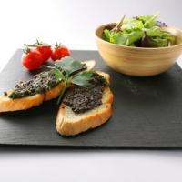 Crostini con polpa di olive